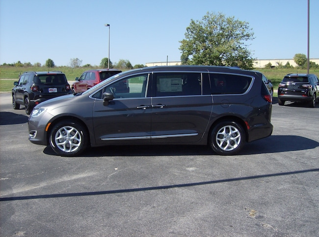 New 2018 Chrysler Pacifica TOURING L For Sale | Maysville KY