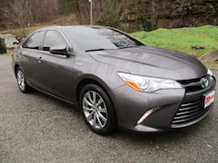Used Vehicles for sale 2016 Toyota Camry Hybrid XLE Sedan in Prestonsburg, KY