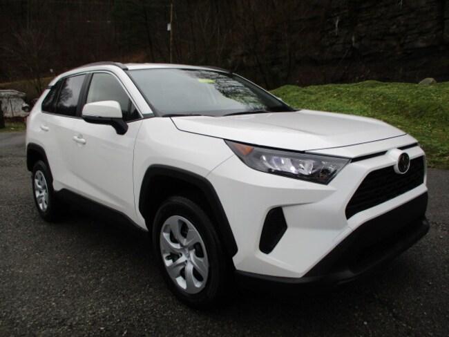 New 2019 Toyota RAV4 LE SUV Prestonsburg, KY