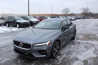 New 2019 Volvo S60 T6 R-Design Sedan in Kalamazoo, MI