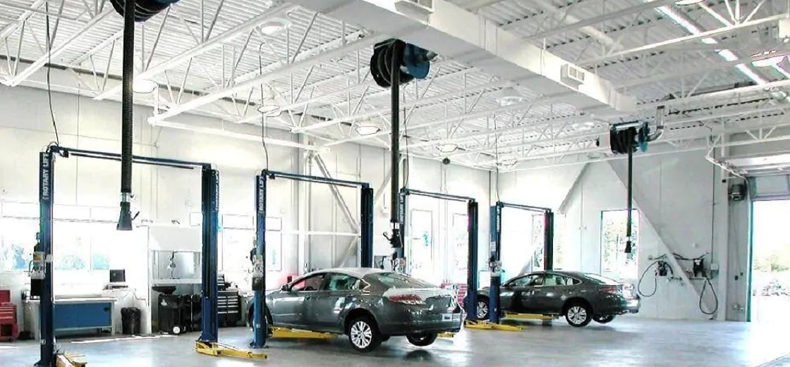Mazda Service Centre in Maple, ON