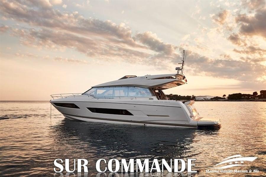 2020 Prestige Yachts 680S -