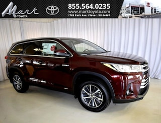 New 2019 Toyota Highlander Hybrid XLE V6 AWD - 2nd Row Bench SUV T5686 in Plover, WI