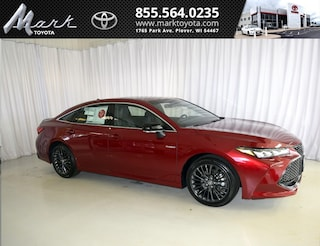 New 2019 Toyota Avalon Hybrid XSE Sedan T4993 in Plover, WI