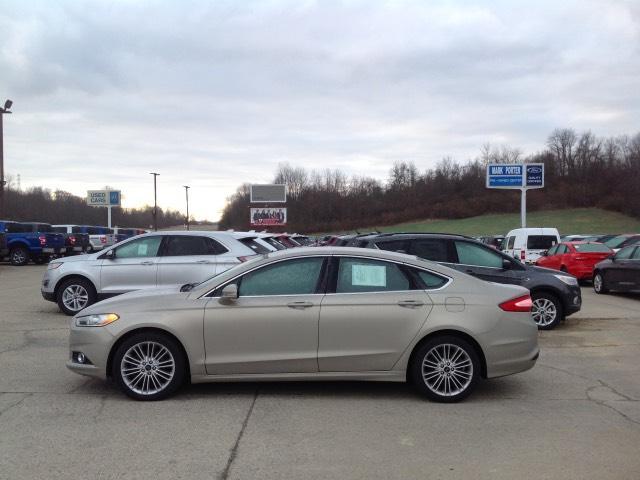 2016 Ford Fusion 4dr Sdn SE FWD Car