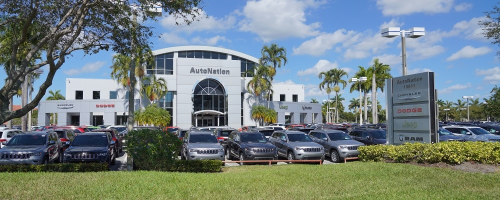 Exterior view of AutoNation Chrysler Dodge Jeep RAM Pembroke Pines during the day