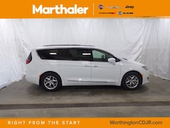 New Chrysler Dodge Jeep Ram 2019 Chrysler Pacifica TOURING L PLUS Passenger Van for sale in Worthington, MN