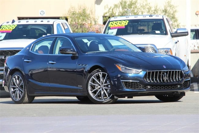 2019 Maserati Ghibli S GranLusso Sedan
