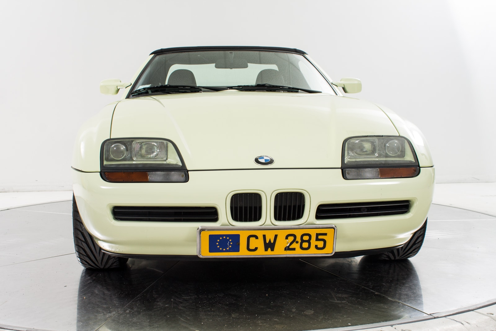used 1990 bmw z1 for sale plainview near long island ny. Black Bedroom Furniture Sets. Home Design Ideas