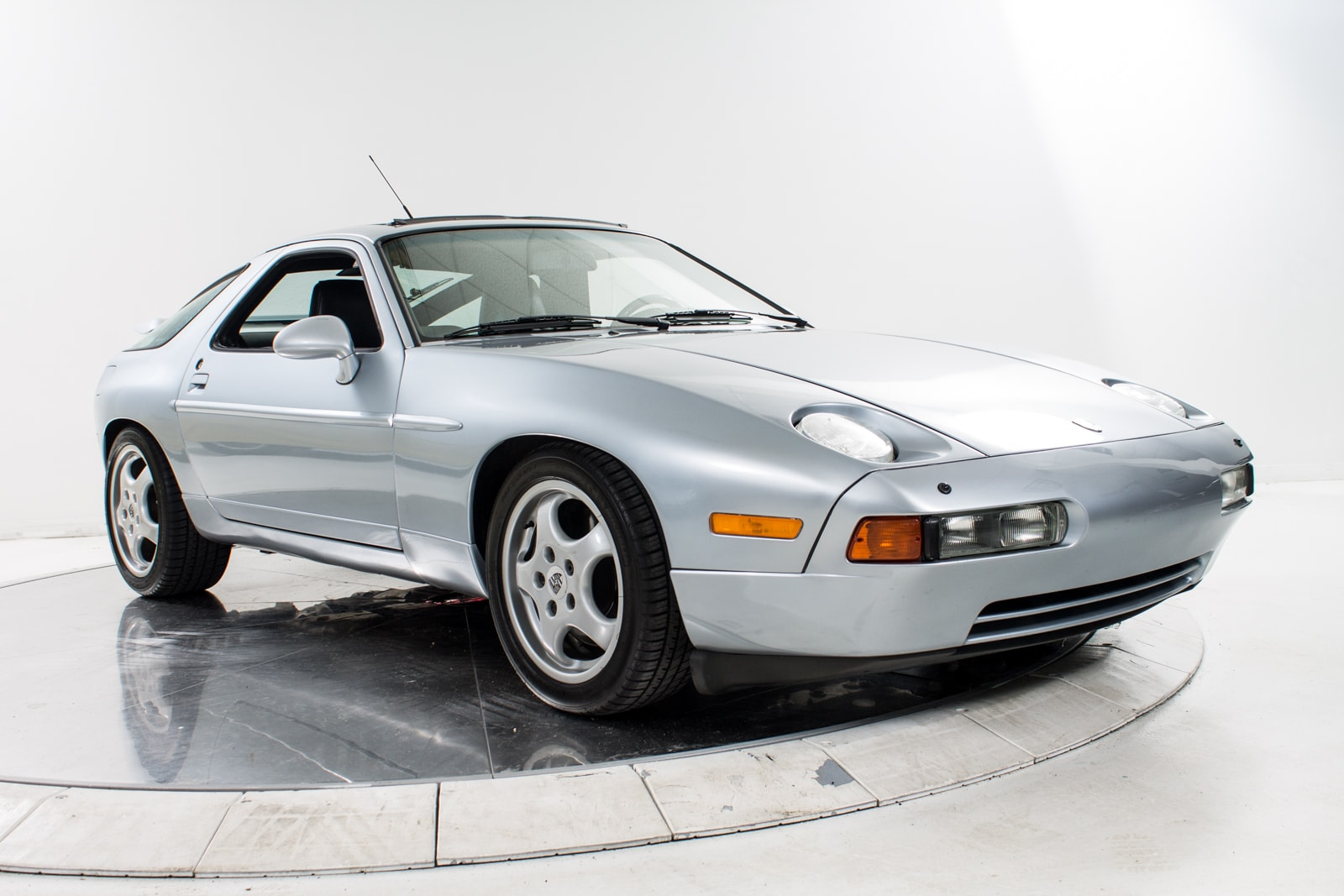used 1993 porsche 928 gts for sale plainview near long island ny vin wp0aa2929p5820092. Black Bedroom Furniture Sets. Home Design Ideas