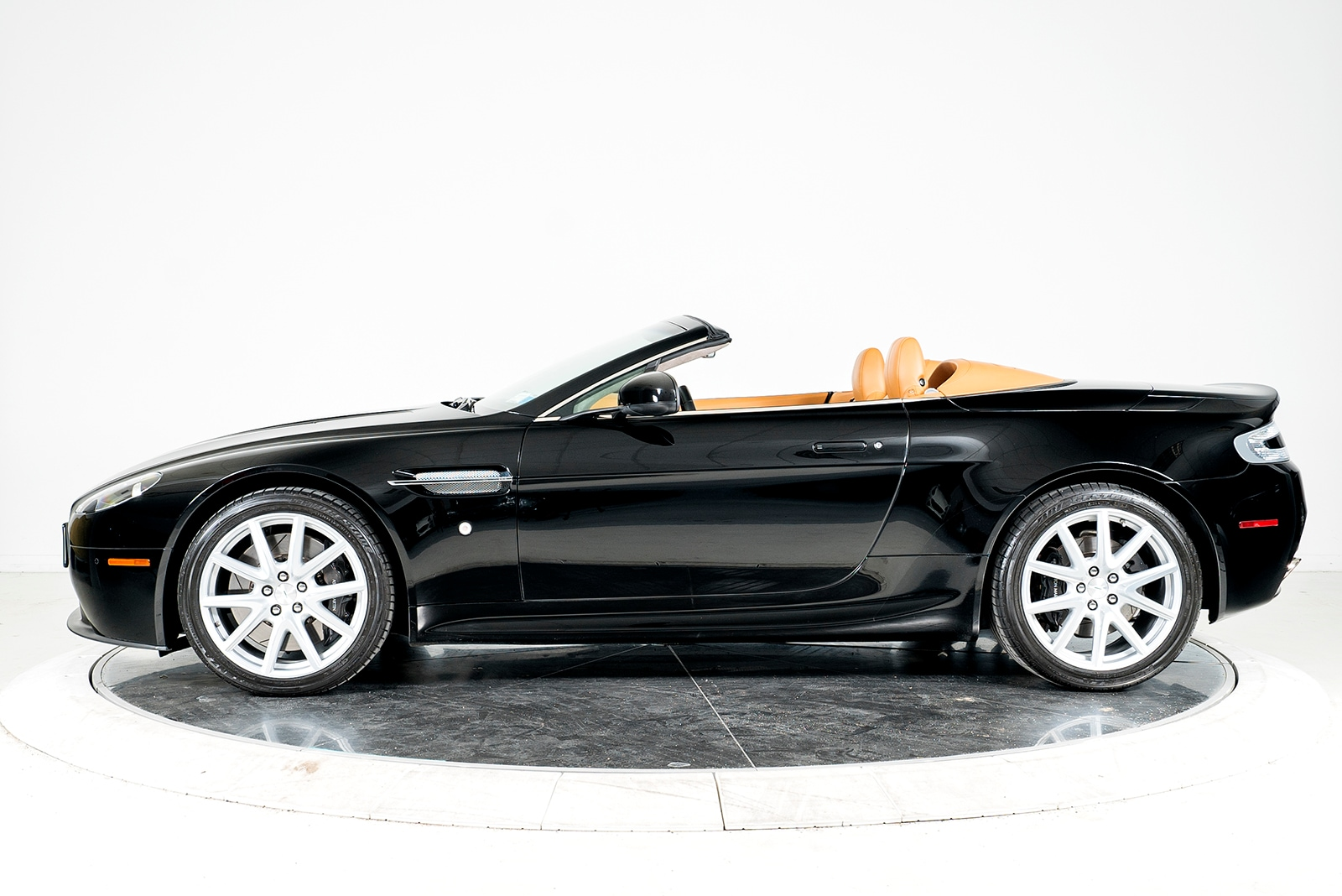 used 2012 aston martin v8 vantage roadster for sale plainview near long island ny vin. Black Bedroom Furniture Sets. Home Design Ideas