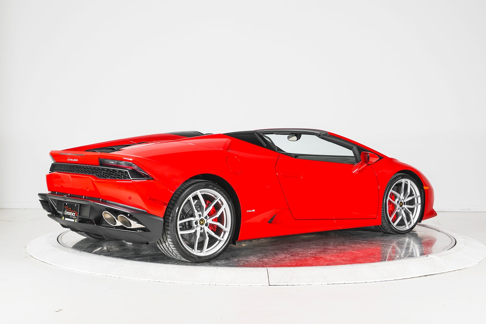 used 2016 lamborghini huracan lp 610 4 spyder for sale plainview ny. Black Bedroom Furniture Sets. Home Design Ideas