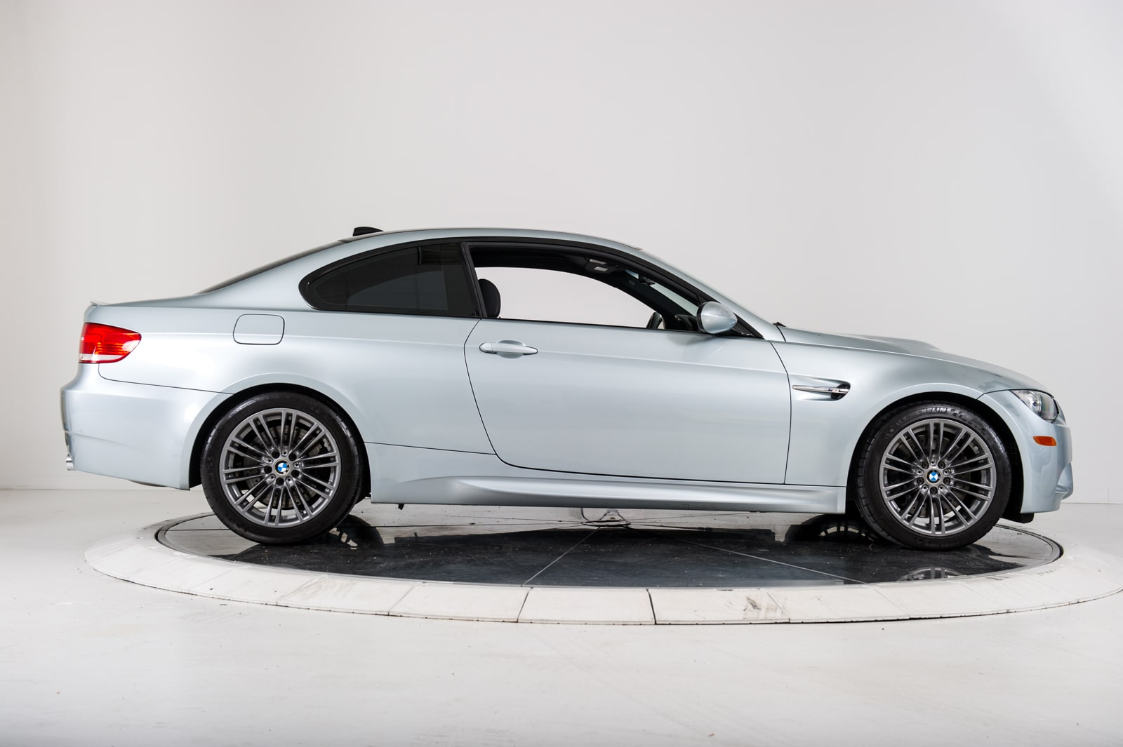 used 2008 bmw m3 coupe for sale plainview near long island ny vin wbswd935x8py39045. Black Bedroom Furniture Sets. Home Design Ideas
