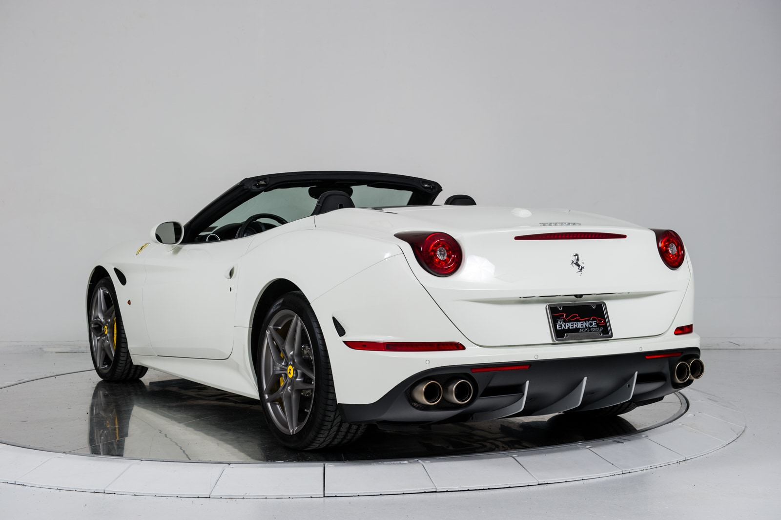 used 2015 ferrari california t for sale plainview near long island ny vin zff77xja8f0208146. Black Bedroom Furniture Sets. Home Design Ideas
