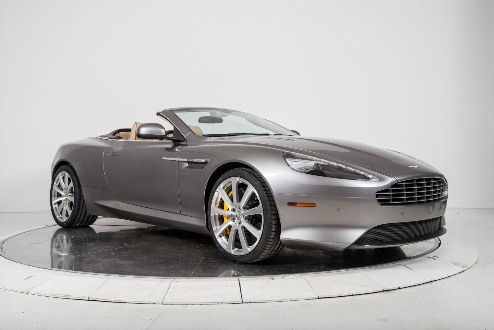used 2013 aston martin db9 volante for sale plainview near long island ny vin. Black Bedroom Furniture Sets. Home Design Ideas