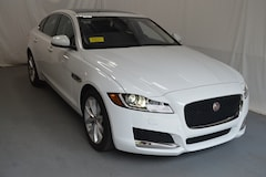 Certified Pre-Owned 2017 Jaguar XF 20d Prestige AWD Sedan Sudbury MA