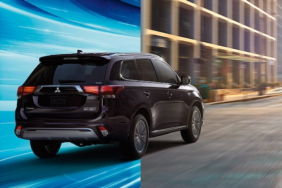 About the 2019 Mitsubishi Outlander PHEV | MATT BLATT MITSUBISHI