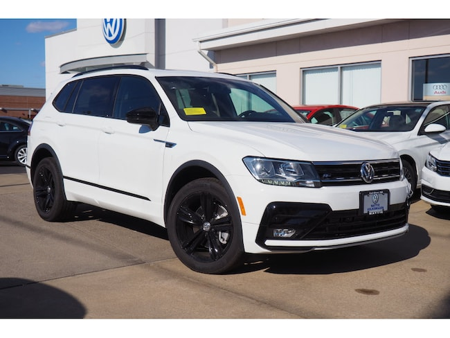 2019 Volkswagen Tiguan 2.0T SEL R-Line 4motion Black AWD 2.0T SEL R-Line 4Motion  SUV w/ Jet-Black