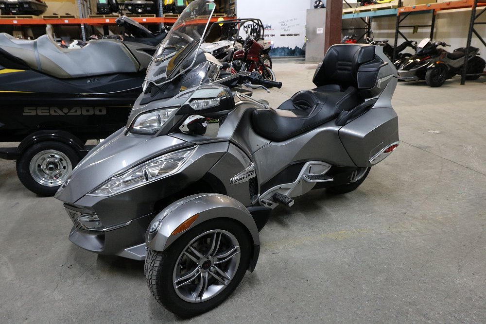 used 2011 can am spyder rt s for sale hawkesbury on. Black Bedroom Furniture Sets. Home Design Ideas