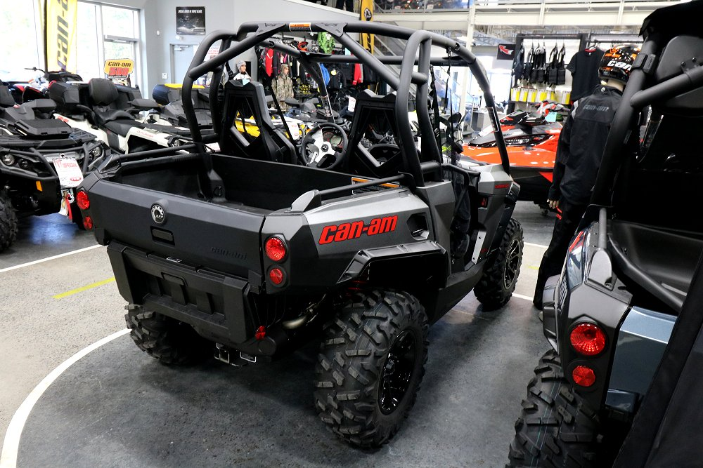 new 2017 can am commander 1000 xt for sale hawkesbury on. Black Bedroom Furniture Sets. Home Design Ideas