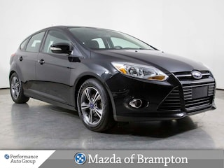 2014 Ford Focus SE. HTD SEATS. BLUETOOTH. SPOILER. KEYLESS Hatchback