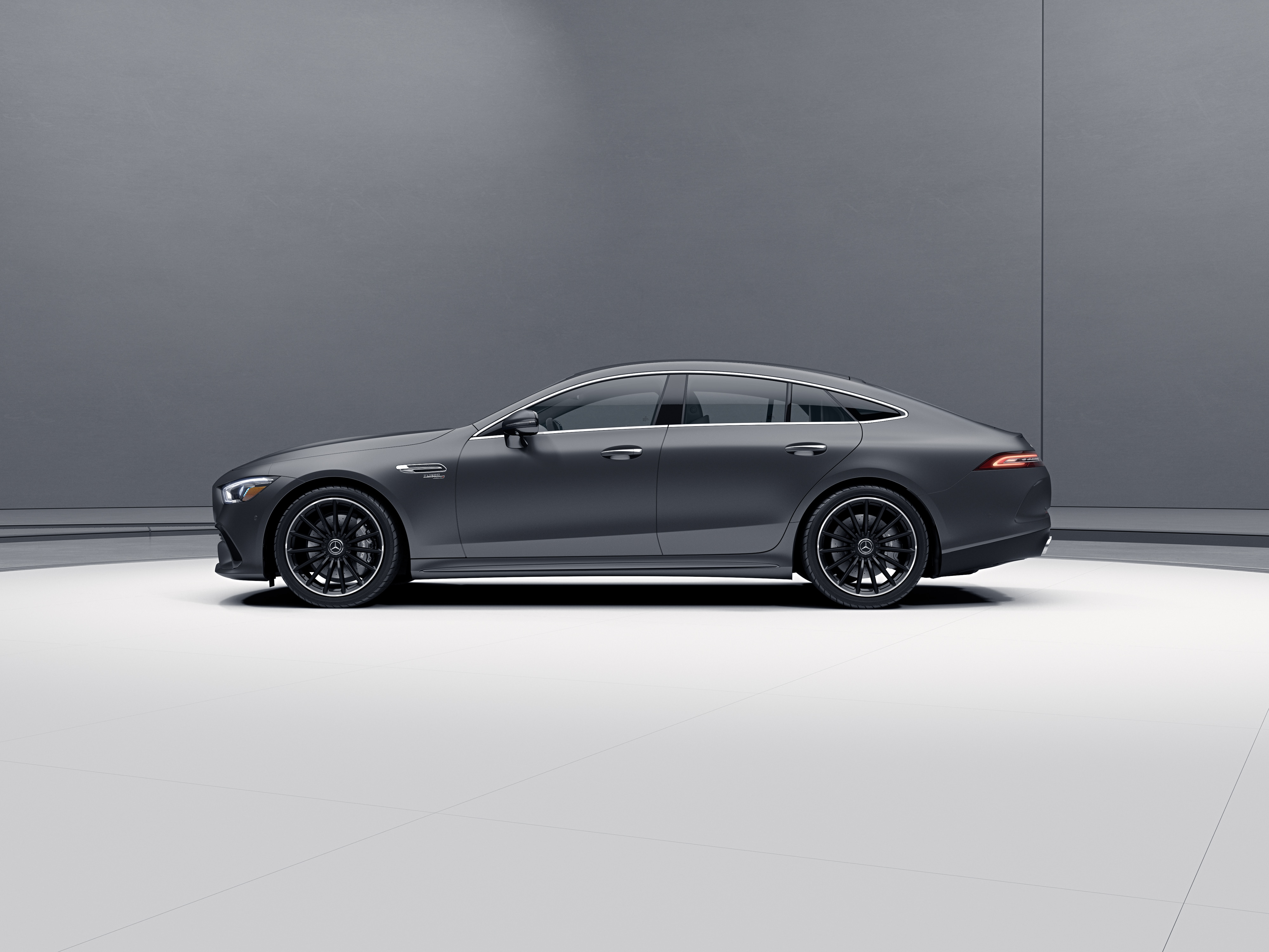 550 × 412