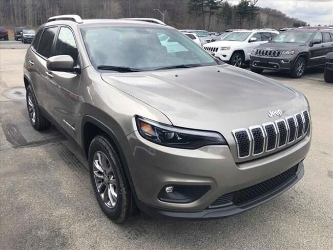 New 2019 Jeep Cherokee LATITUDE PLUS 4X4 Sport Utility Altoona PA