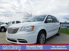 2016 Chrysler Town & Country Touring-L Touring-L  Mini-Van