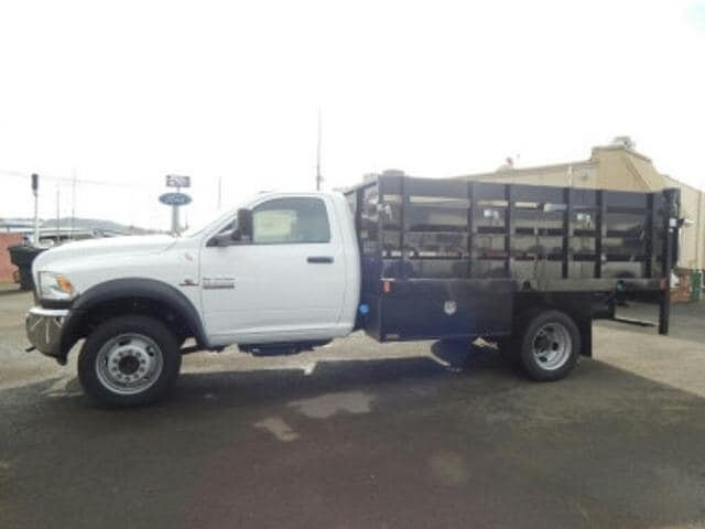 2017 Ram 5500 TRADESMAN CHASSIS REGULAR CAB 4X4 168.5 WB Regular Cab
