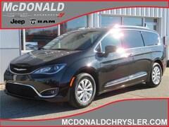 2019 Chrysler Pacifica Touring L Van Passenger Van
