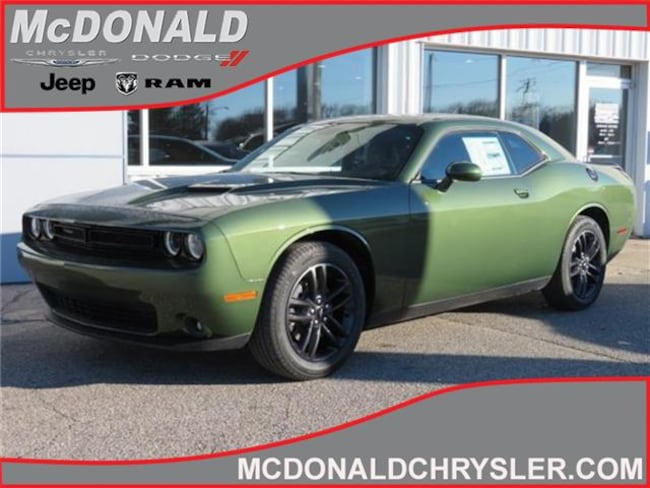 New 2019 Dodge Challenger SXT AWD Coupe Near Saginaw