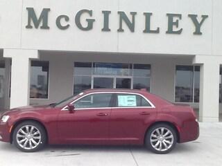 New 2018 Chrysler 300 Touring Sedan 18018 Highland, IL