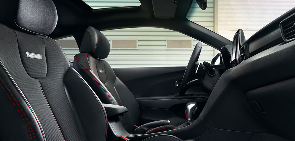 Interior seating in the 2019 Veloster