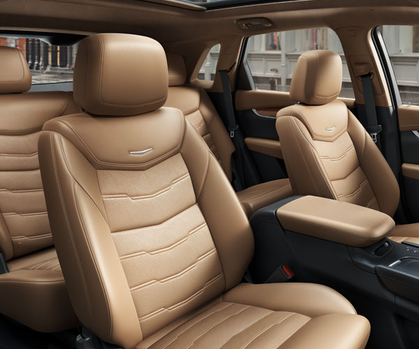 2019 Cadillac XT5 interior leather seating