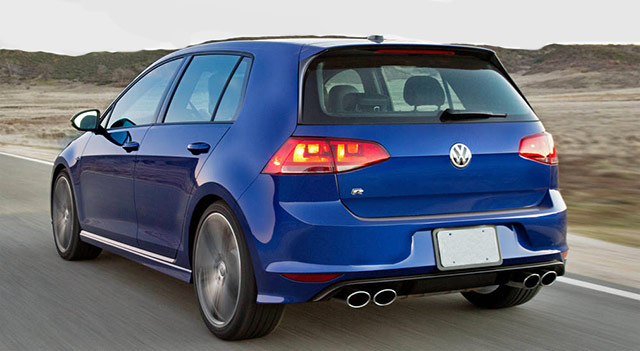 Purple 2016 Volkswagen R Rear Angle
