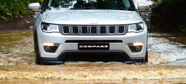 White 2018 Jeep Compass Off Road Capabilities
