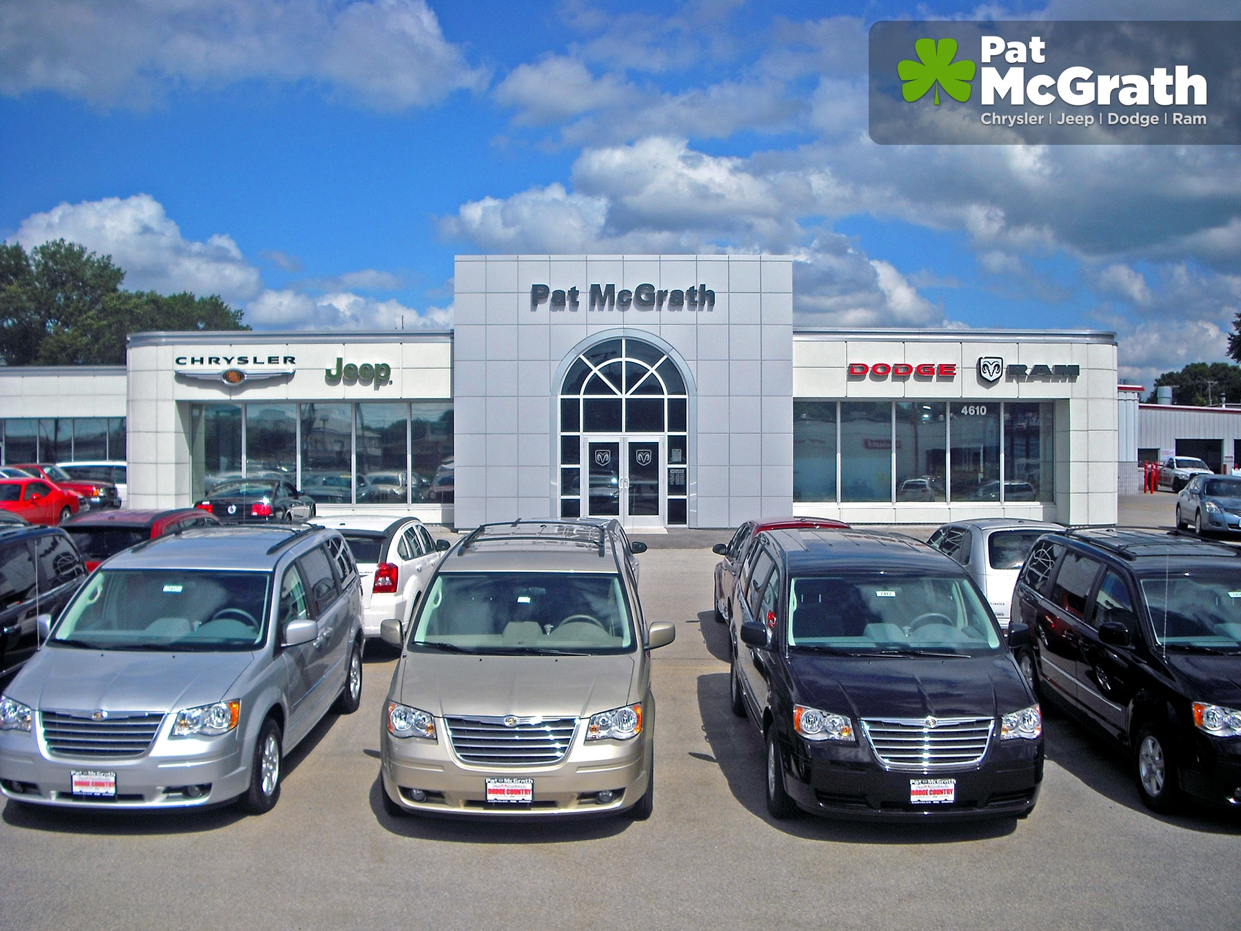 jeep cherokee vs jeep grand cherokee pat mcgrath chrysler jeep dodge ram. Cars Review. Best American Auto & Cars Review