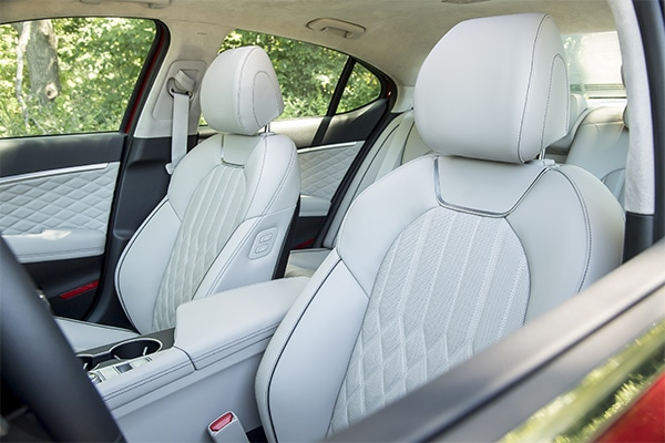 High quality leather seats and interior