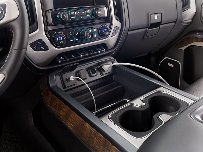 2017 Sierra 1500 USB and outlet