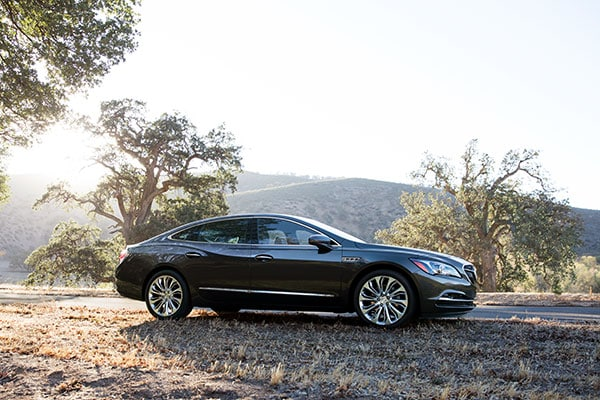Buick LaCrosse Exterior features