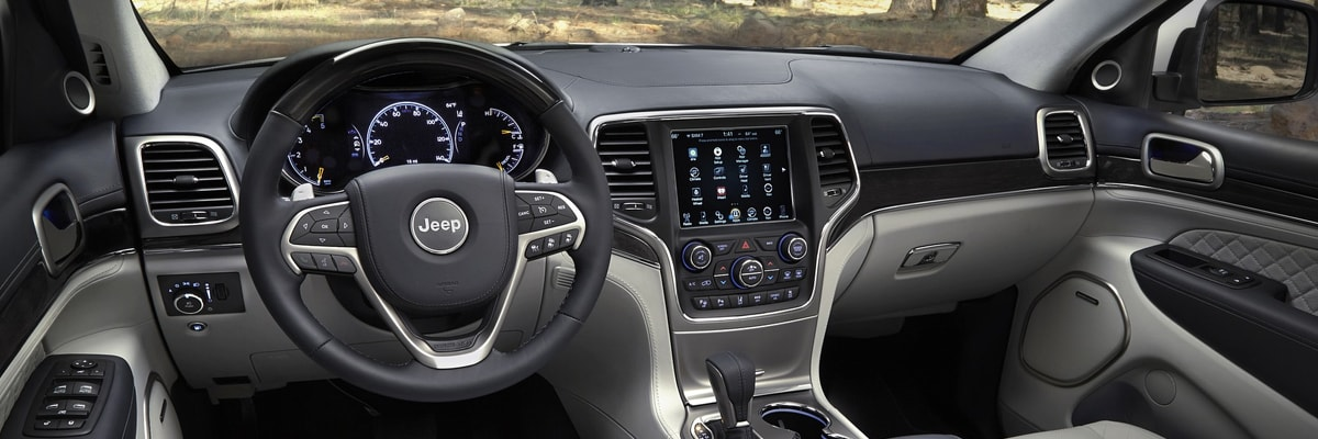 2020 Jeep Grand Cherokee leather interior
