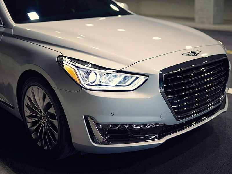 2019 Genesis G90 front end headlights and grille