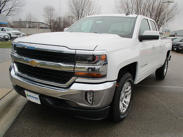 cedar rapids new chevrolet vehicles for sale pat mcgrath. Black Bedroom Furniture Sets. Home Design Ideas