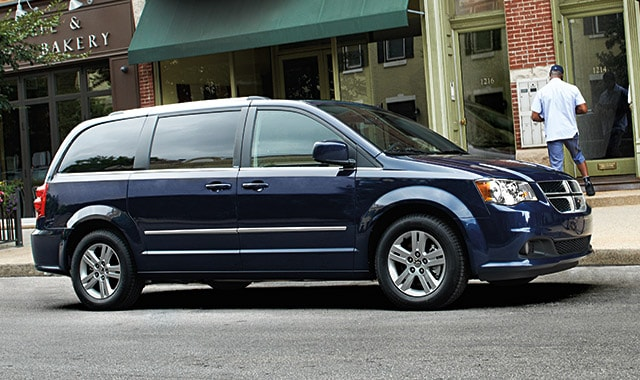 Used Ddodge Grand Caravan driving