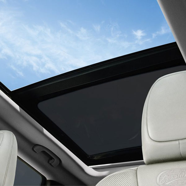 Dual-pane sunroof in the 2018 Jeep Cherokee