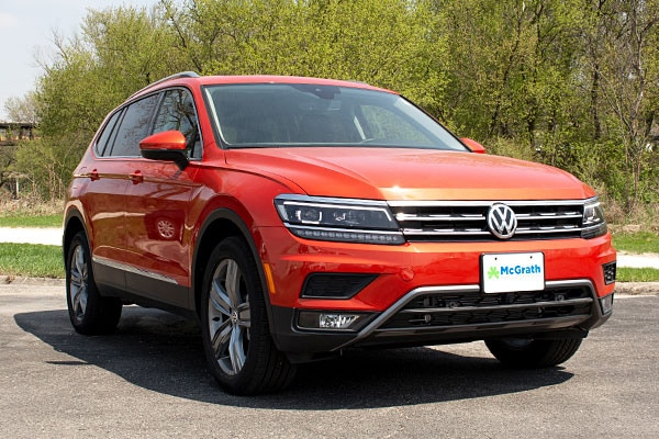 Orange Metallic 2019 Volkswagen Tiguan parked
