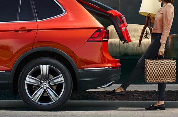 2019 VW Tiguan parked demonstrating the lift gate sensor