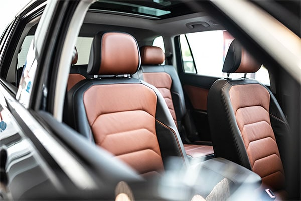 2019 VW Tiguan interior leather seating