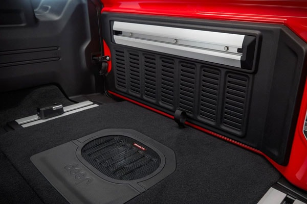 In-floor-storage in the 2019 Wrangler