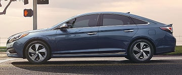 2017 Hyundai Sonata Hybrid side design
